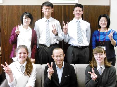 留学生が校長室に集合しました